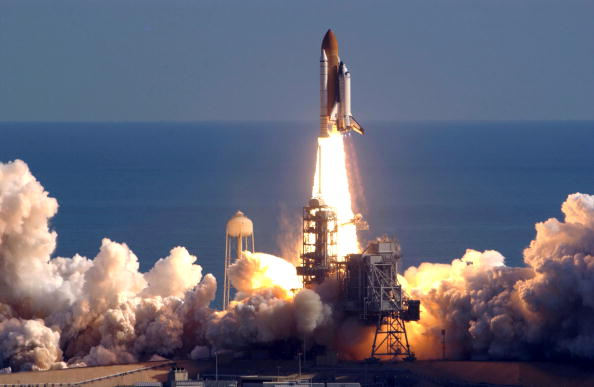 Taking Off - Activity「Space Shuttle Columbia Lifts Off」:写真・画像(14)[壁紙.com]