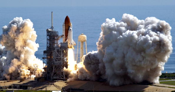 Space Shuttle Discovery「NASA Returns To Flight With Launch of Space Shuttle Discovery」:写真・画像(2)[壁紙.com]