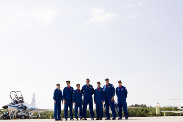 Hubble Space Telescope「Atlantis Astronauts Arrive At KSC Ahead Of Shuttle Launch」:写真・画像(7)[壁紙.com]