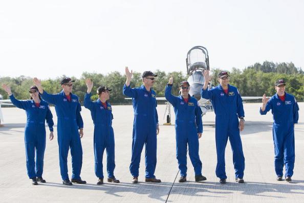 Hubble Space Telescope「Atlantis Astronauts Arrive At KSC Ahead Of Shuttle Launch」:写真・画像(18)[壁紙.com]