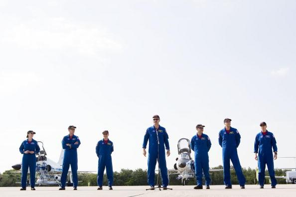 Hubble Space Telescope「Atlantis Astronauts Arrive At KSC Ahead Of Shuttle Launch」:写真・画像(11)[壁紙.com]