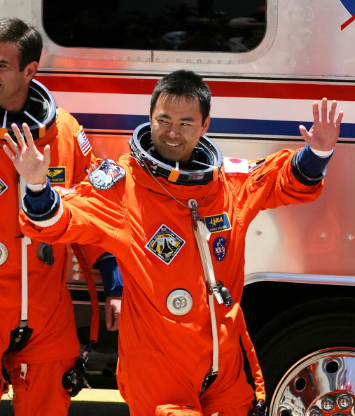 Japan Aerospace Exploration Agency「Space Shuttle Discovery Prepares For Launch」:写真・画像(18)[壁紙.com]