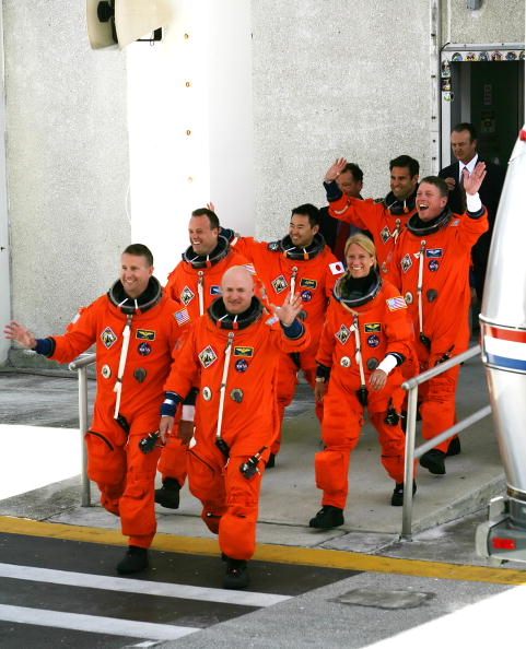 Japan Aerospace Exploration Agency「Space Shuttle Discovery Prepares For Launch」:写真・画像(17)[壁紙.com]