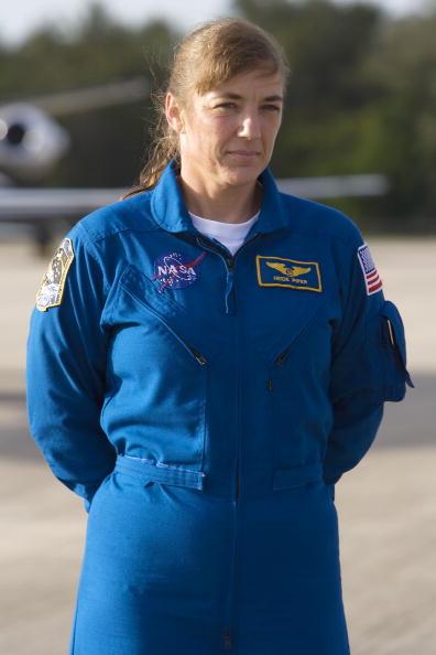Space Shuttle Endeavor「NASA Makes Final Preparations For Space Shuttle Endeavour Launch」:写真・画像(9)[壁紙.com]