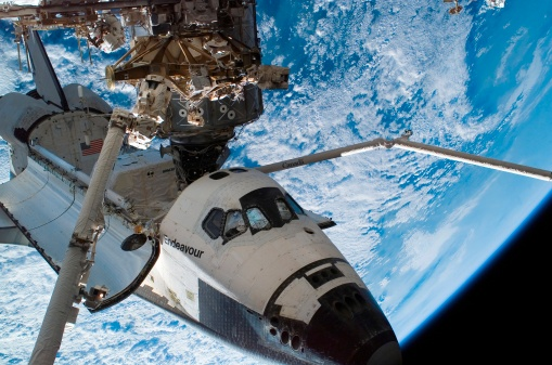 Space Shuttle Endeavor「Space Shuttle Endeavour docked to the International Space Station.」:スマホ壁紙(19)