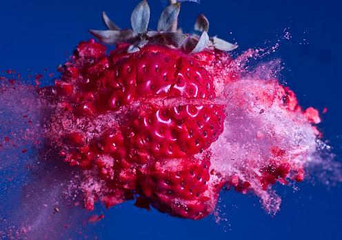 Destruction「Voyage to the Planet of Frozen Strawberries」:スマホ壁紙(2)