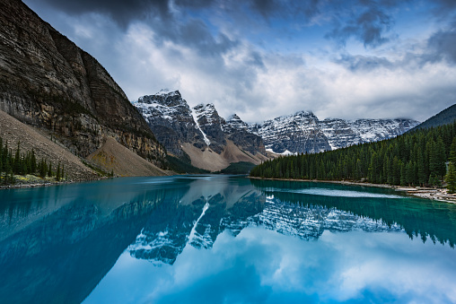 Beauty In Nature「Moraine lake, Banff, Alberta, Canada」:スマホ壁紙(16)