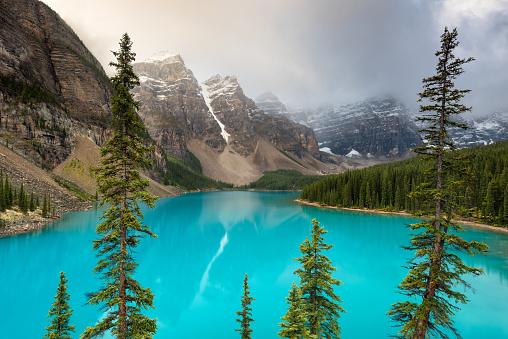 Water's Edge「Moraine Lake, Banff National Park, Alberta, Canada」:スマホ壁紙(19)