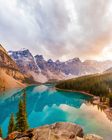Wilderness Area「Moraine Lake, Banff National Park」:スマホ壁紙(9)
