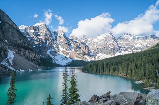 UNESCO「Moraine lake, Banff national park, Canada」:スマホ壁紙(8)