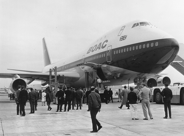 Heathrow Airport「BOAC Jumbo Arrives」:写真・画像(12)[壁紙.com]
