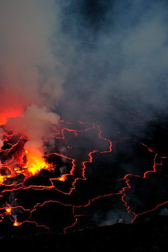 Geologist「Mount Nyiragongo, Volcano in DR Congo」:スマホ壁紙(4)