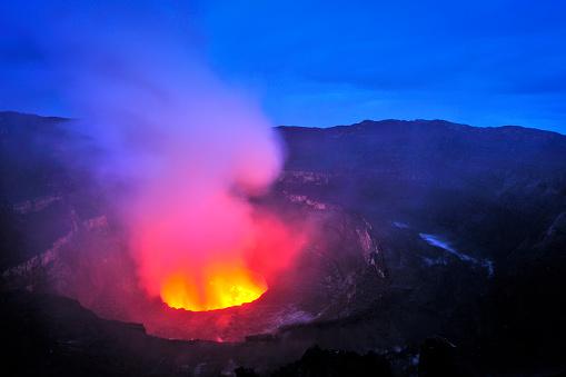 Steep「Mount Nyiragongo, Volcano in DR Congo」:スマホ壁紙(16)