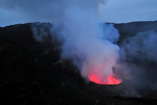 Geologist「Mount Nyiragongo, Volcano in DR Congo」:スマホ壁紙(6)