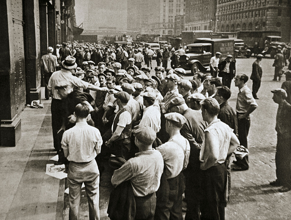 New York City「Longshoremen Being Picked Out By A Boss New York USA 1920s Or 1930s」:写真・画像(18)[壁紙.com]