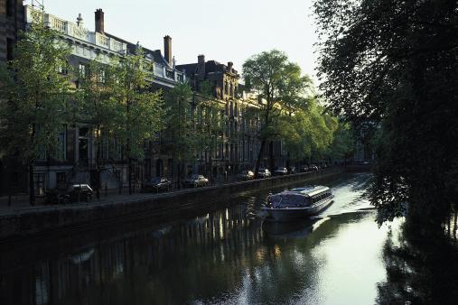 Amsterdam「Canal in Amsterdam , Holland」:スマホ壁紙(14)