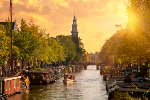 Arch Bridge「Canal in Amsterdam with the church 'Westerkerk'」:スマホ壁紙(19)