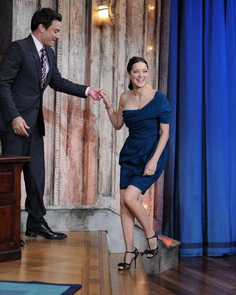 "Visit「Marion Cotillard Visits ""Late Night With Jimmy Fallon""」:写真・画像(4)[壁紙.com]"