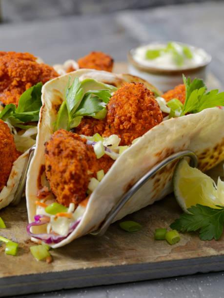 Crispy Baked Buffalo Wing Cauliflower Tacos:スマホ壁紙(壁紙.com)