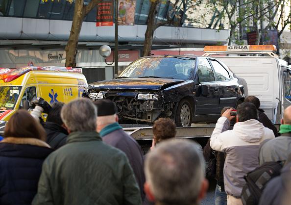 Land Vehicle「Man Rams Car Into Ruling Popular Party Headquarters」:写真・画像(15)[壁紙.com]