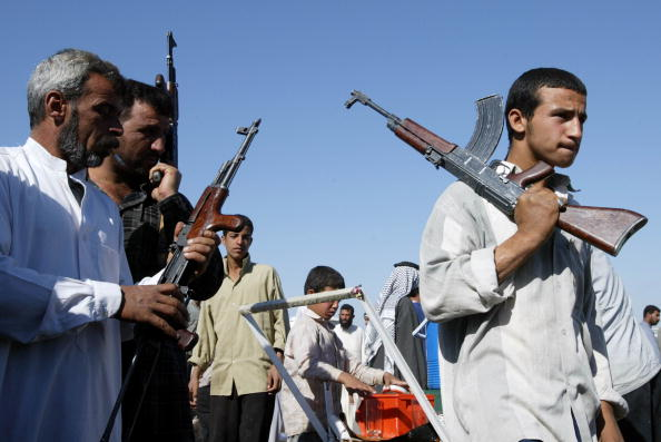 Clear Sky「Weapons Sold At Arms Market In Baghdad」:写真・画像(10)[壁紙.com]