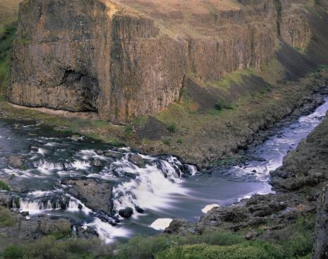 Basalt「Palouse River cutting through layers of Columbia Plateau. Basalt, Washington. USA」:スマホ壁紙(7)