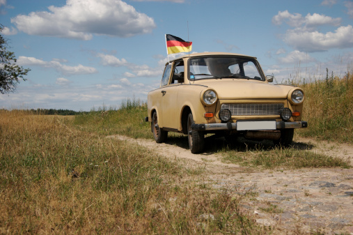 Eco Tourism「trabant, car from GDR, built 1986」:スマホ壁紙(5)