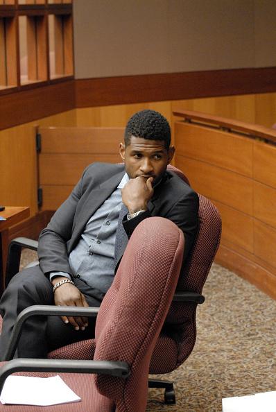 Gray Shirt「Usher Raymond & Tameka Foster Custody Hearing」:写真・画像(12)[壁紙.com]
