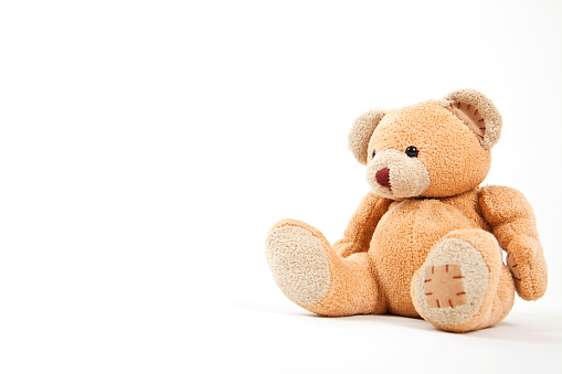 Sitting「Small teddy bear isolated on white 」:スマホ壁紙(10)