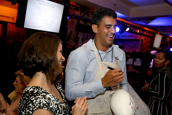Marcus Mariota「16th Annual Waiting for Wishes Celebrity Dinner Hosted by Kevin Carter & Jay DeMarcus」:写真・画像(16)[壁紙.com]
