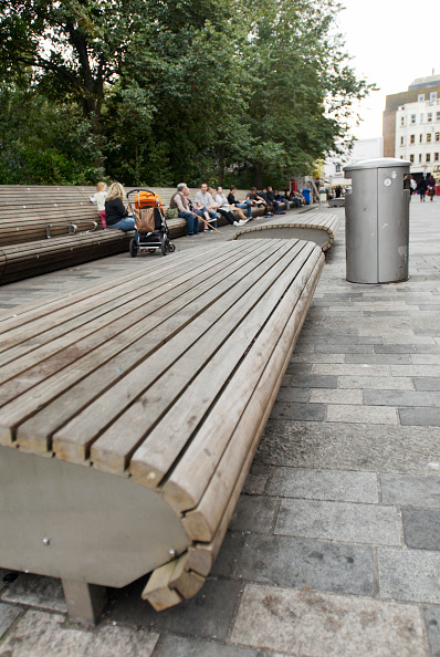 Bench「Modern wooden benches, Brighton, Sussex, UK」:写真・画像(8)[壁紙.com]
