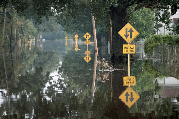 Torrential Rain「Southeast Texas Inundated After Harvey Makes Second Pass Over The Region」:写真・画像(16)[壁紙.com]