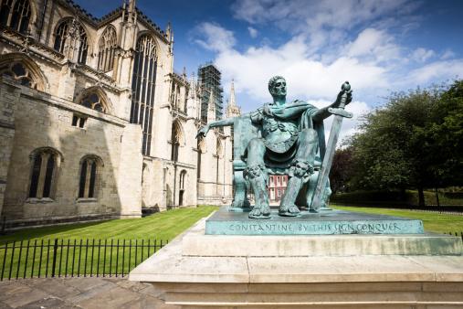 Roman「Emperor Constantine Statue in York」:スマホ壁紙(17)