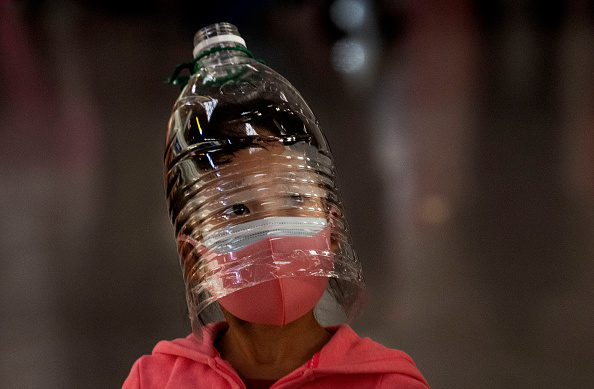 Bottle「Concern In China As Mystery Virus Spreads」:写真・画像(12)[壁紙.com]