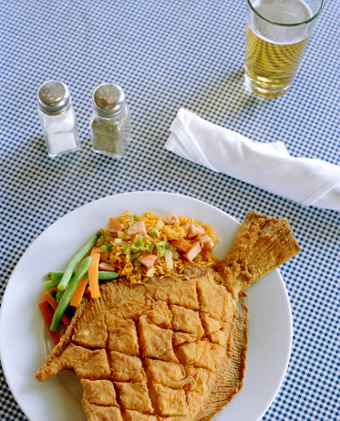 Charleston - South Carolina「Fried whole fish with rice and vegetables」:スマホ壁紙(12)