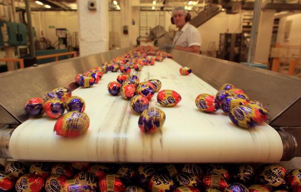 Cadbury Plc「Chocolate Production Continues At Cadbury During Hostile Takeover Bids」:写真・画像(8)[壁紙.com]
