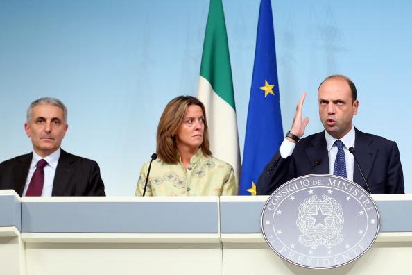 October「PDL Ministers Hold Press Conference」:写真・画像(17)[壁紙.com]