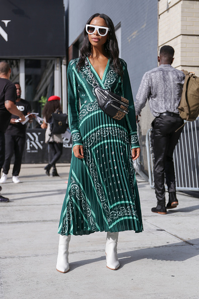 Fashion Week「Street Style - New York Fashion Week September 2018 - Day 7」:写真・画像(4)[壁紙.com]