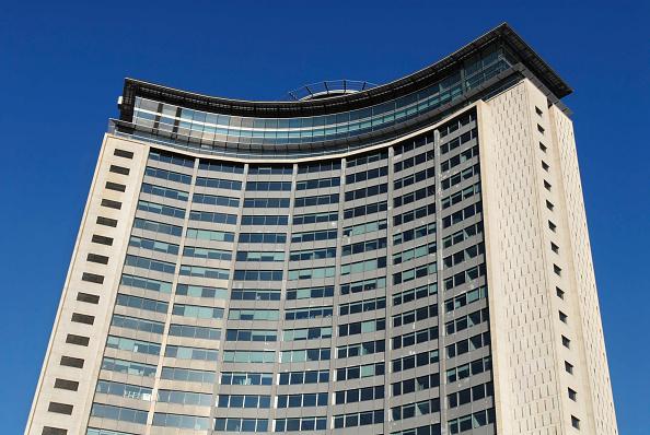 Skyscraper「Empress State Building, Hammersmith, London, UK, low angle」:写真・画像(8)[壁紙.com]