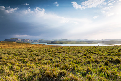 Standing Water「Africa, South Africa, Harrismith, Sterkfontein Dam, Drakensberge」:スマホ壁紙(9)