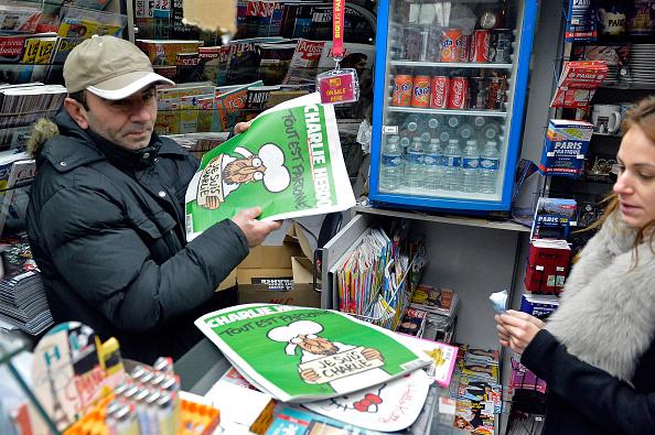 Publication「First International Edition Of Charlie Hebdo Published Since Paris Terror Attacks」:写真・画像(16)[壁紙.com]