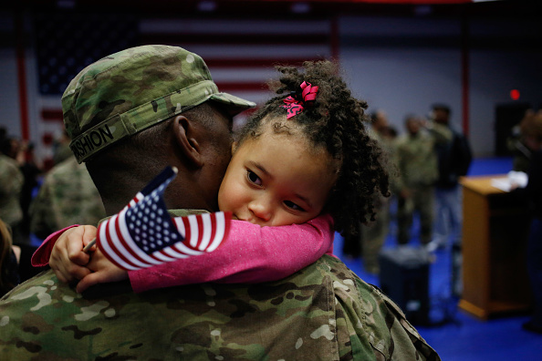 Military「Soliders From Army's 3rd Brigade Return Home From Afghanistan To Fort Knox」:写真・画像(6)[壁紙.com]