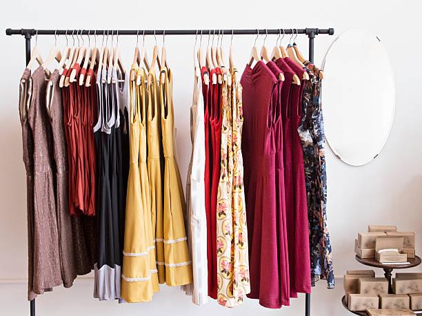 Rack of dresses in boutique:スマホ壁紙(壁紙.com)