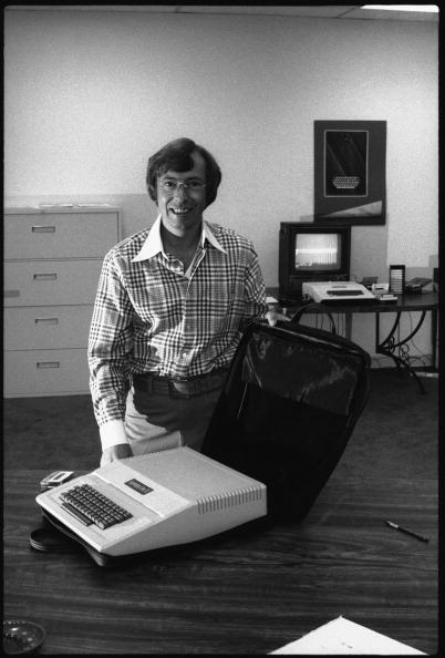 1人「Portrait Of Mike Markkula」:写真・画像(18)[壁紙.com]