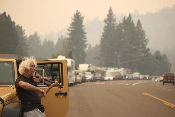 Bestof「Massive Caldor Fire Threatens Lake Tahoe Area Of California」:写真・画像(18)[壁紙.com]