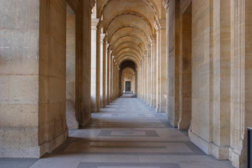Arch - Architectural Feature「Arches in a hallway , Louvre , Paris , France」:スマホ壁紙(15)