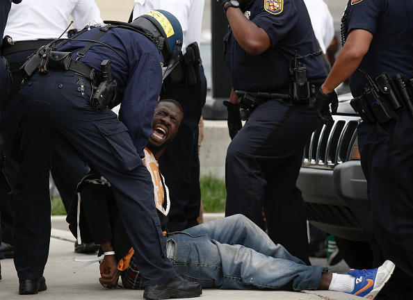 Arrest「Protests in Baltimore After Funeral Held For Baltimore Man Who Died While In Police Custody」:写真・画像(15)[壁紙.com]