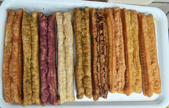 カラフル「Colorful Fried Breadsticks Appear In Hangzhou」:写真・画像(19)[壁紙.com]