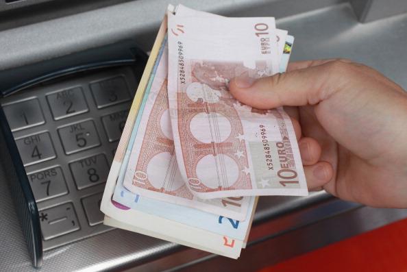 ファイナンス「The Eurozone Crisis Deepens As Greece Attempts To Avoid Bankruptcy」:写真・画像(10)[壁紙.com]