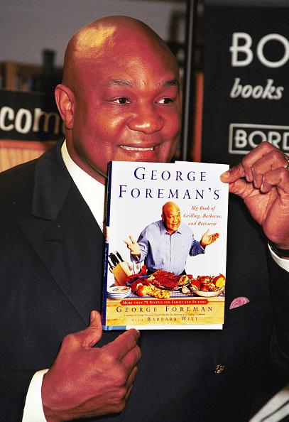 Borders Books「George Foreman Promotes New Book」:写真・画像(7)[壁紙.com]